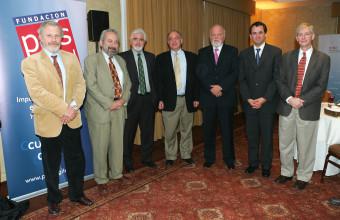 Mesa Redonda de Innovación de Fundación País Digital y la Red de Alta Dirección de la UDD