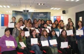 Profesores de la FEN capacitan a emprendedoras