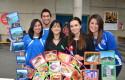 Equipo ganador de El Salvador junto a Marisol Troncoso y Carla Jiménez