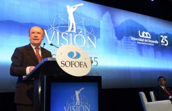 Expertos analizan situación económica y política de Chile