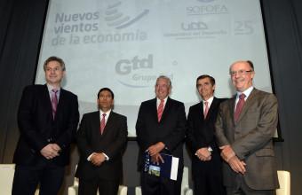 Ministro Arenas participó en seminario Nuevos Vientos de la Economía