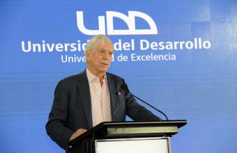 Mario Vargas Llosa presentó