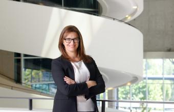 Académica Erica Salvaj desarrolla investigación en Harvard Business School