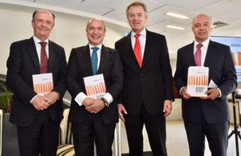 Libro de casos sobre globalización e innovación fue lanzado la UDD