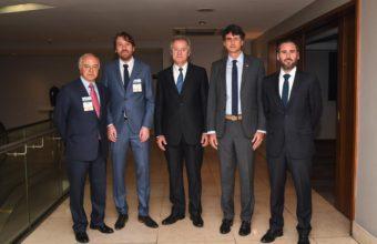 Ministro Couve inaugura lanzamiento de reporte mundial de emprendimiento